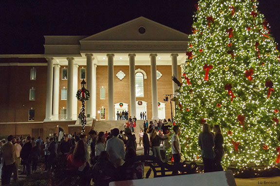 Liberty Univeristy's Arthur S. DeMoss Learning Center decorated for Christmas.