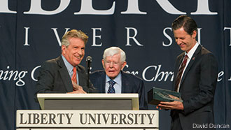 Liberty University President Jerry Falwell receives the 2014 Pilgrim Award for Workplace Evangelism.