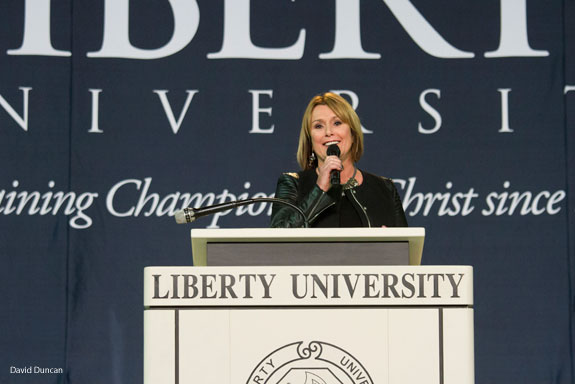 Sheila Walsh speaks at Liberty's Convocation.