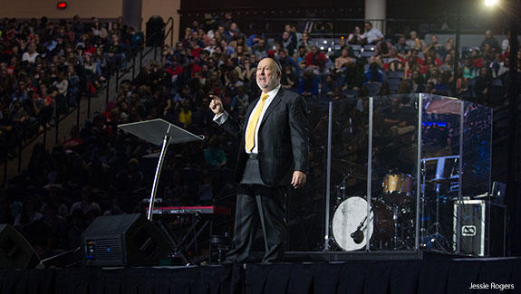 Rabbi Daniel Lapin addresses Liberty University students at Convocation.