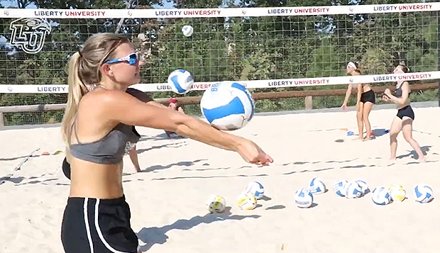 Beach volleyball women bound for Fla. for final fall tourney test test test test