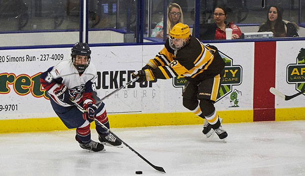 Niederer pursues hockey dreams as forward for DII men test test test test