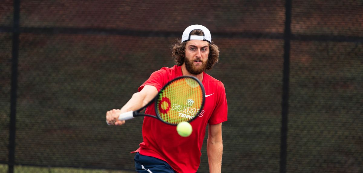 Burton captured one match at the ITA All-American Championships, Saturday.