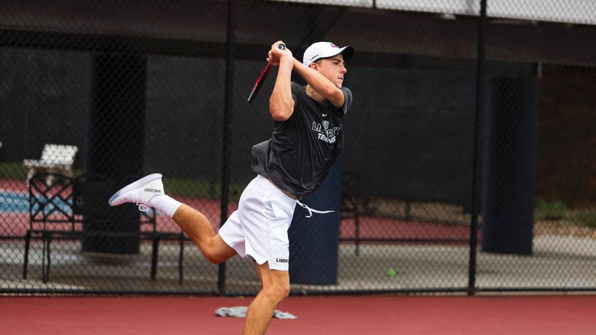 Mundt went 3-1 in singles this weekend in Richmond.