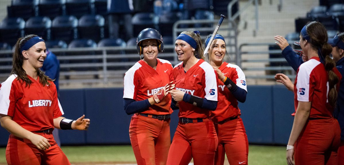 Lady Flames Head to California for Mary Nutter Collegiate Classic