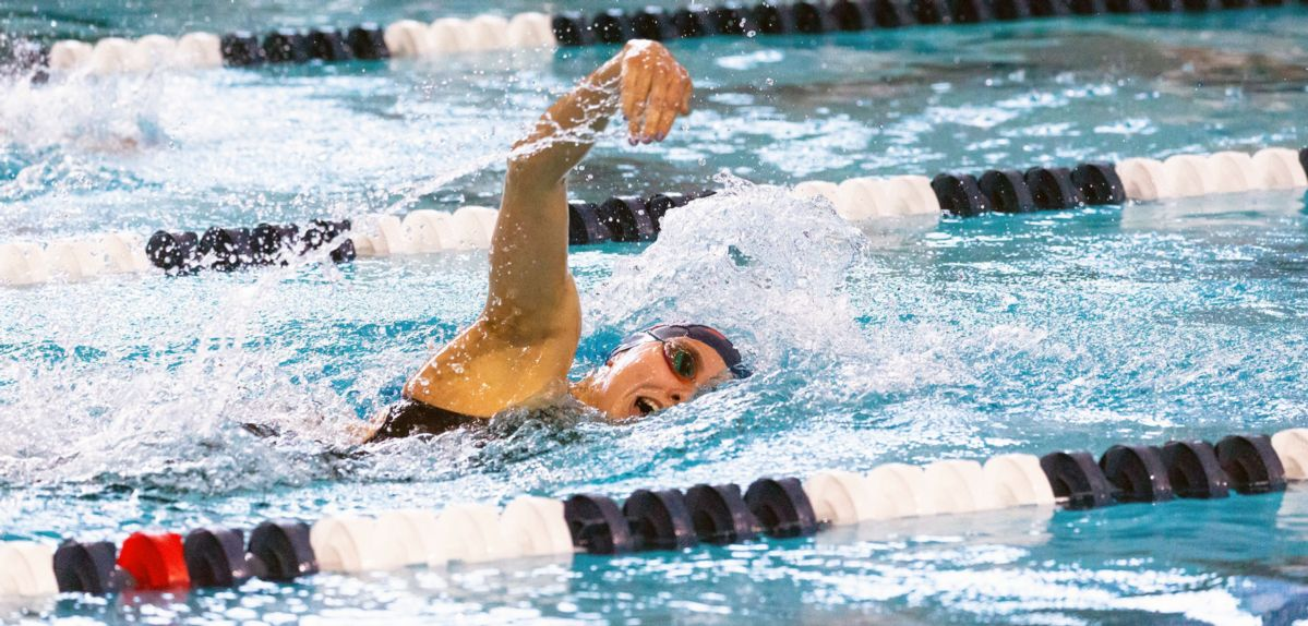Emily Manly became the first Lady Flame to win the 500 freestyle at the CCSA Championships.
