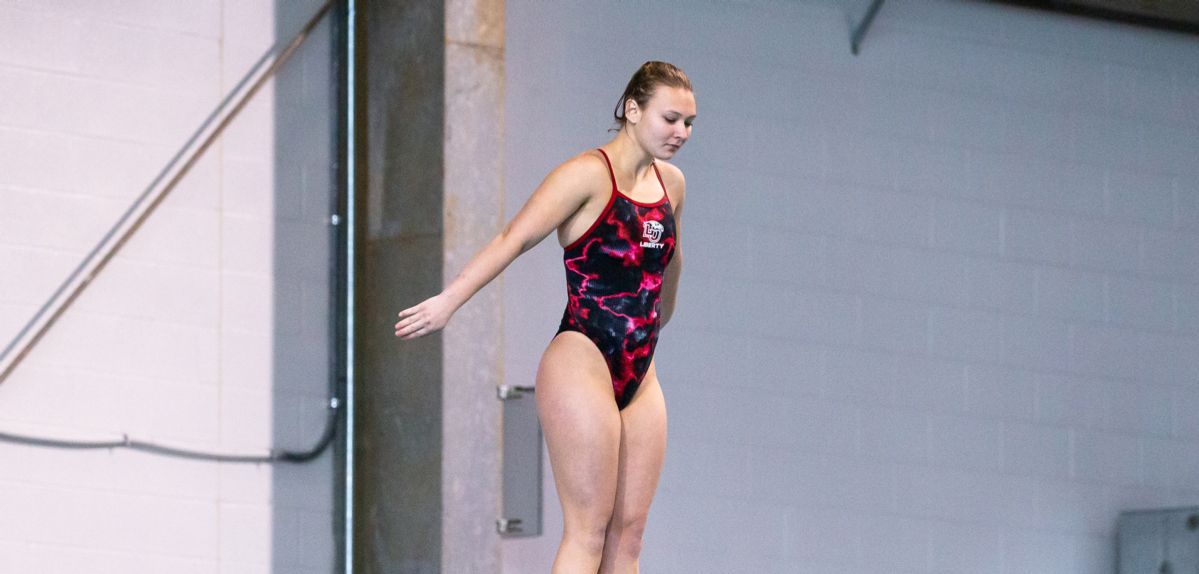 Liberty's Synchronized Diving Pair Takes 7th Place at USA Diving Senior Nationals