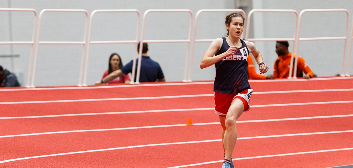 Noel Palmer clocked a women's 10K school-record time of 33:56.67 on Friday.