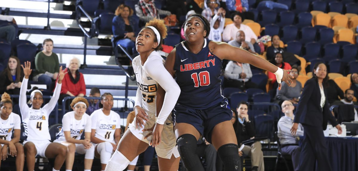 Kierra Johnson-Graham scored eight of her 10 points in the fourth quarter of Sunday's 48-45 setback. (Photo by Carlos Morales)