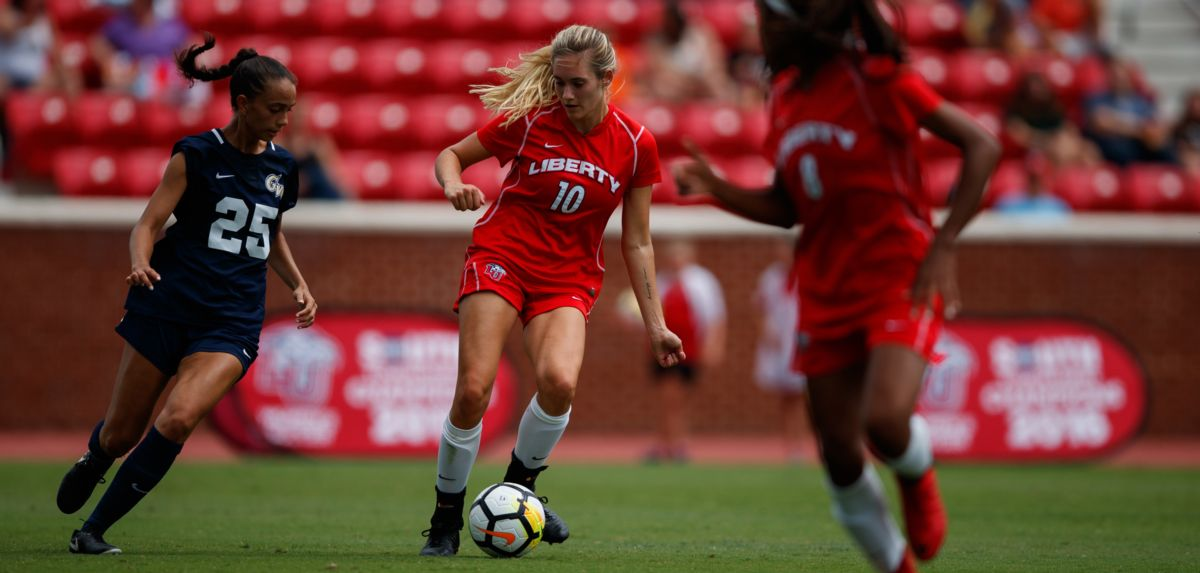 Women's Soccer Loses to William & Mary in Final Seconds
