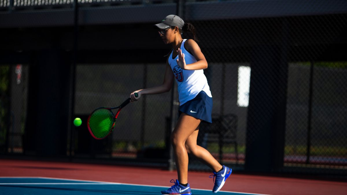 Soli won in both doubles and singles at FGCU, Sunday.