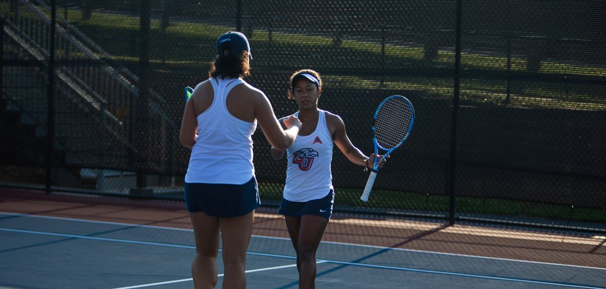 Medina and Soares will appear in the finals in both doubles and singles on Sunday.