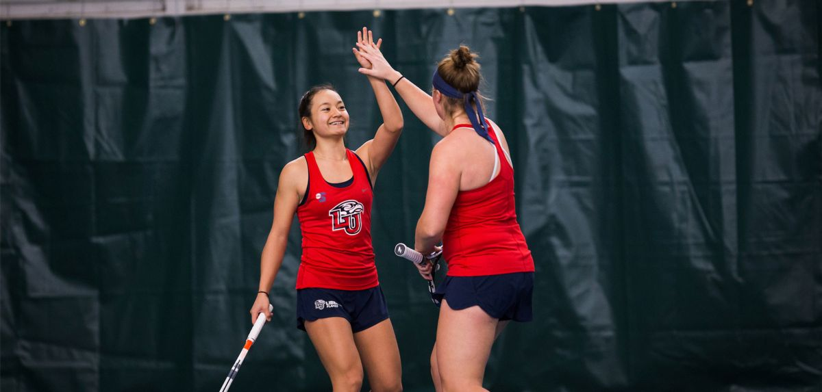 Hashiguchi and Anderson improved to 4-0 in doubles with their win against Shaw on Sunday.