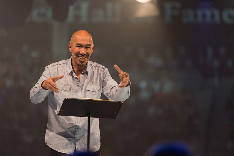 francis chan college Bestselling author and pastor francis chan spoke at liberty university's convocation monday, admitting to students at the lynchburg, va, school that his years attending a christian college were full of hypocrisy chan, author of erasing hell, crazy love and forgotten god, spoke to students at the .