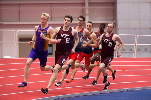 Aggie Indoor Track Teams Prepare For Mac