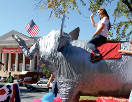 Show some spirit — Upcoming festivities such as the homecoming parade on Oct. 15 allow students a hands-on way to celebrate their school and have fun doing it. Photo credit: Ruth Bibby