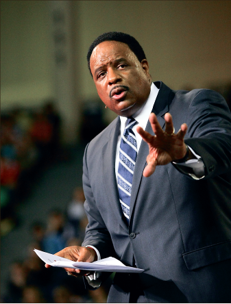 Professional — CBS sports broadcaster James Brown addresses students. Photo credit: Ruth Bibby