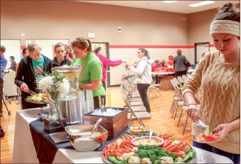 DIET — Students learn about healthy food options from Robin Quay. Photo credit: Christieanna Apon