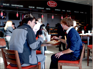 OPTIONS —  Students can now choose from several new dining locations. Photo credit: Courtney Russo