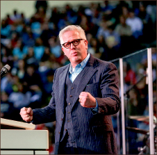 Firm Footing —Glenn Beck inspires audience.  Photo credit: Courtney Russo