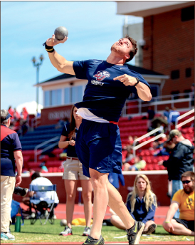 Heave — Redshirt senior Tim Abbott placed 10th in the men's  invitational discus throw during the Raleigh Relays last weekend. Photo credit: Courtney Russo