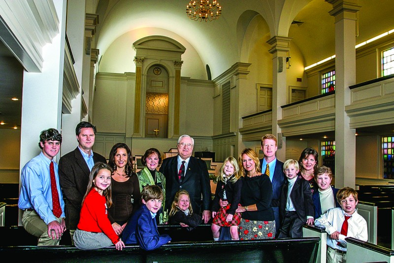 Jerry Falwell Sr. and his wife Macel pose with their children and grandchildren. Photo by Todd Hunley on Dec. 4, 2005.