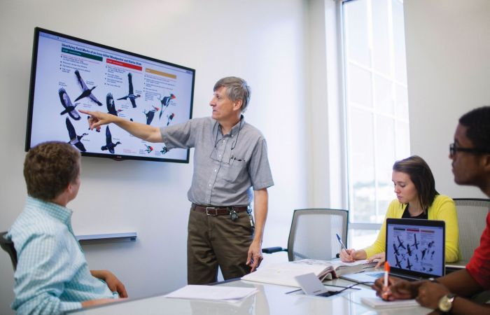 A science professor teaches a class of students at Liberty University.