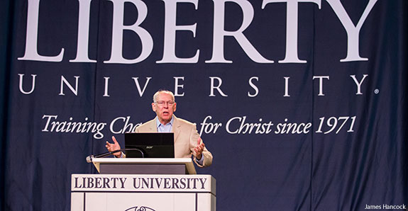 Rafael Cruz speaks at Liberty University Convocation.