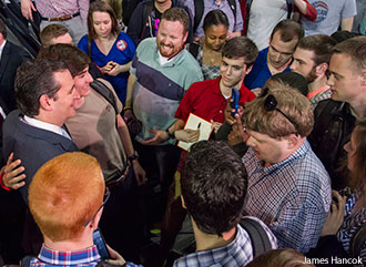 Ted Cruz poses with Liberty students for photos after his Convocation speech.