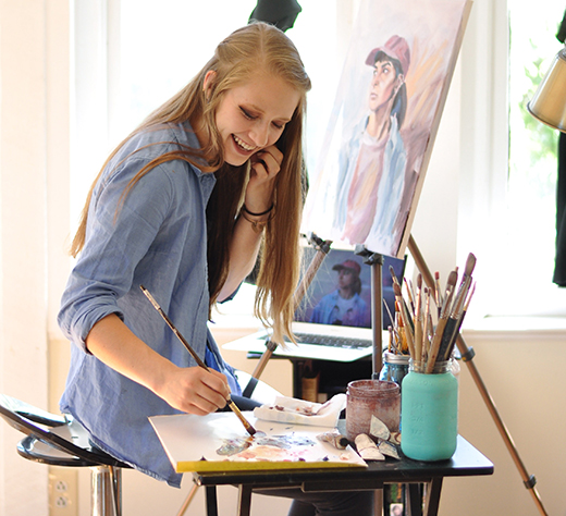 Great Liberty University Master Of Fine Arts Student Adara Jensen Works On A  Portrait Painting. (