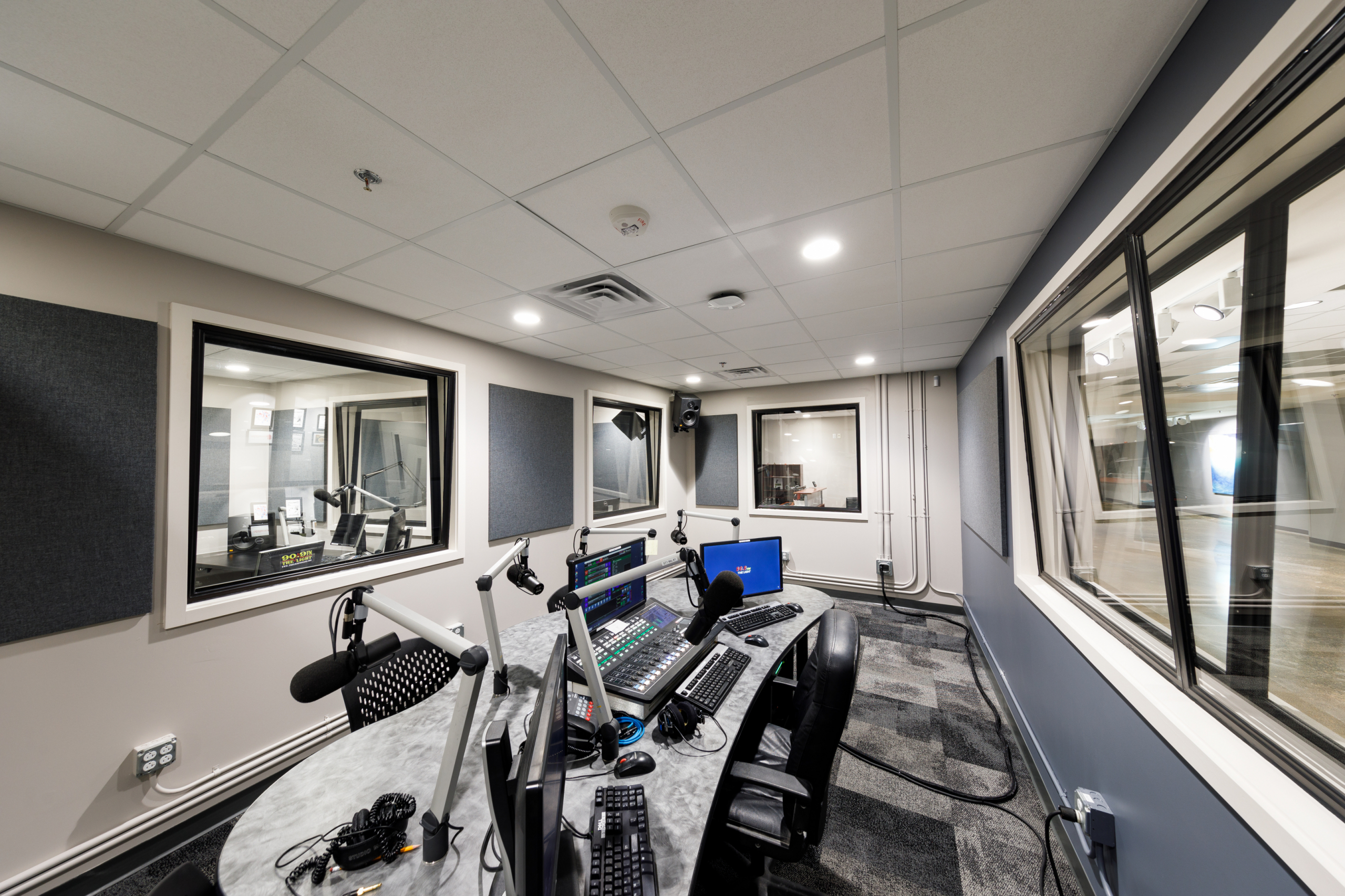 On-campus radio station celebrates grand opening of new Green Hall location