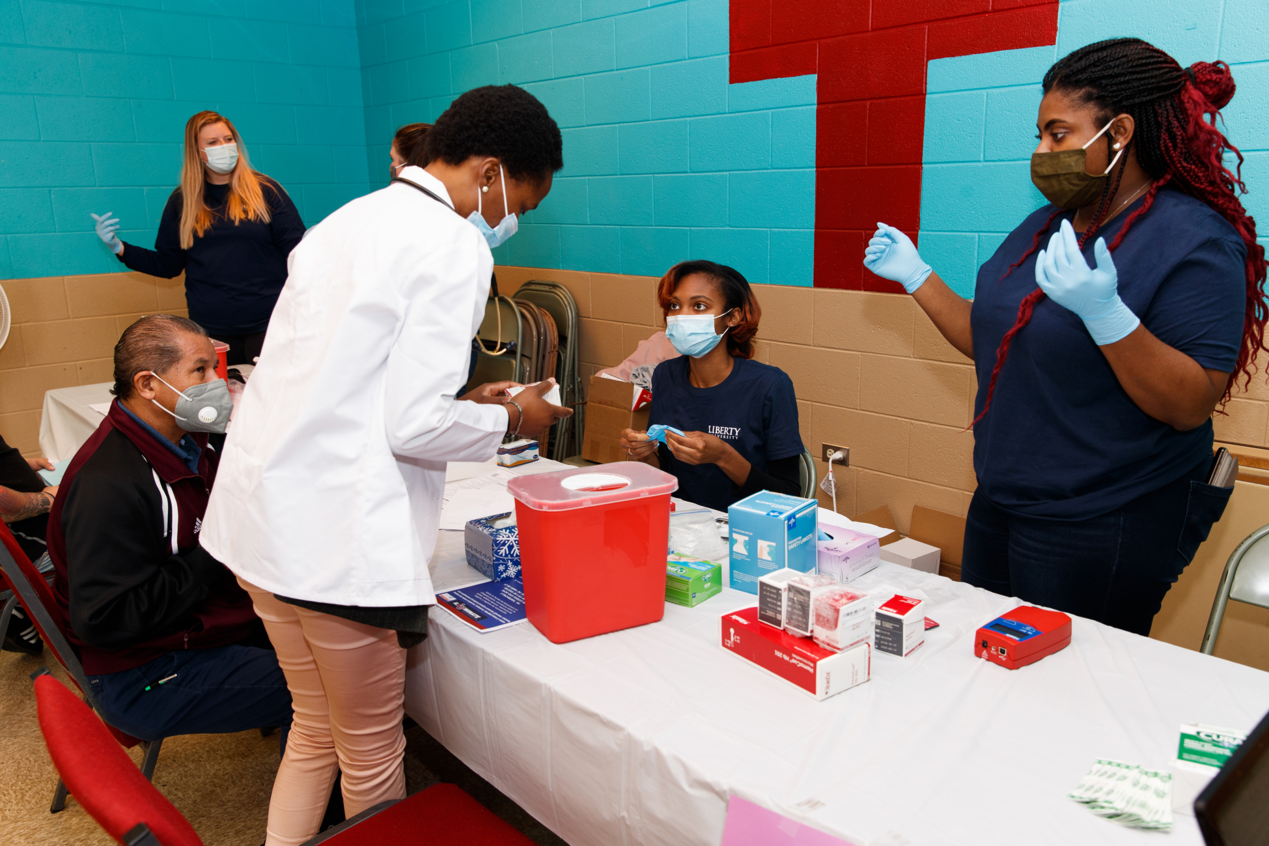 Public health students hold health fair, vaccination clinic for local underserved Hispanic community