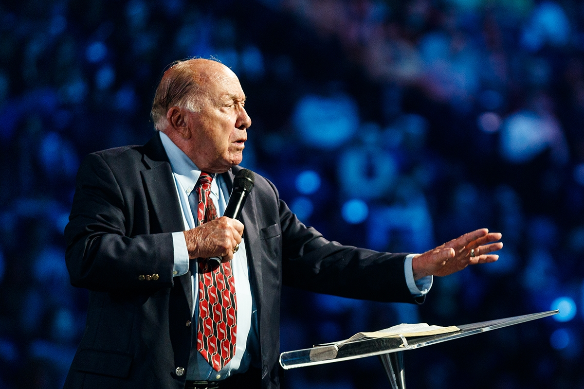 Co-founder Dr. Elmer Towns shares memories of first chapel message delivered to Liberty students in 1971