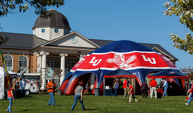 Varsity Club teams with Alumni Relations for tailgate events test test test test