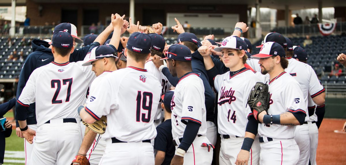 Elon Edges Liberty with 3-Run 7th Inning