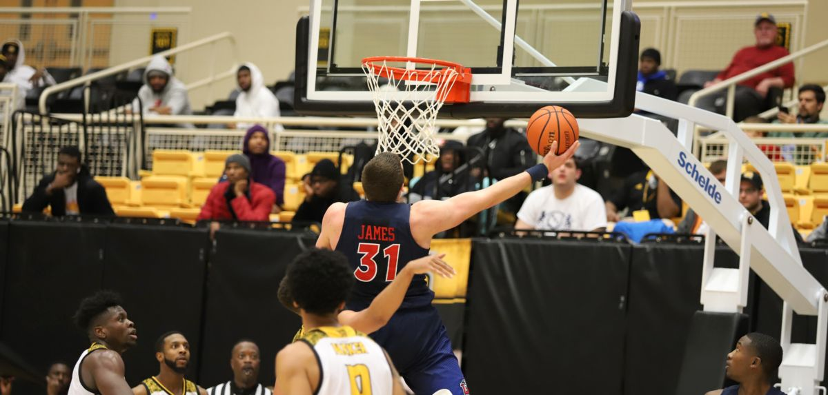 Liberty Remains Undefeated in ASUN Play, Defeating Kennesaw State