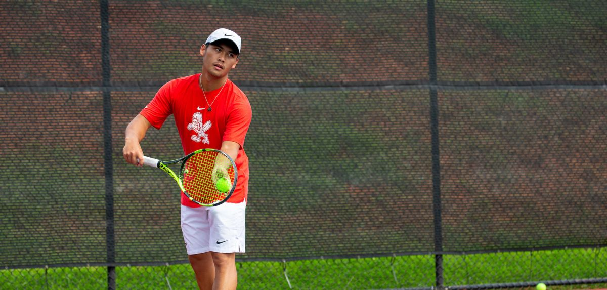 Salas won his match on Sunday to finish with a 3-1 mark in singles.