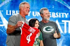 NFL legend Brett Favre shares key career moments and family hardships at Convocation