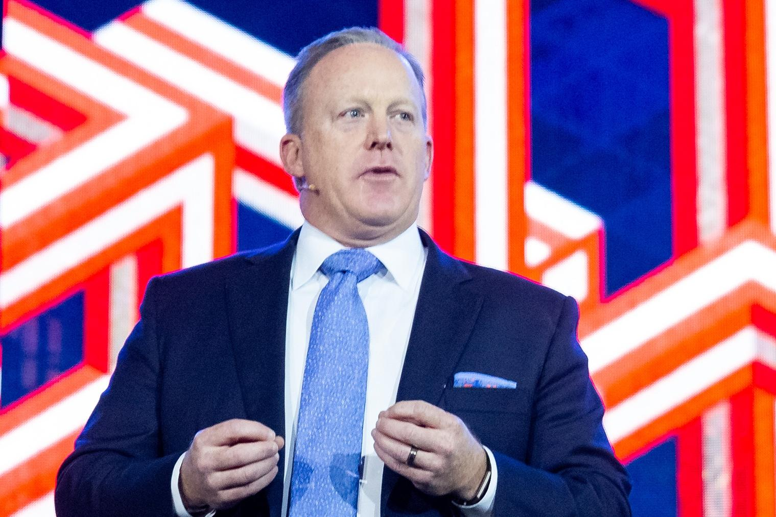 Sean Spicer joins Liberty University in honoring the nation's heroes